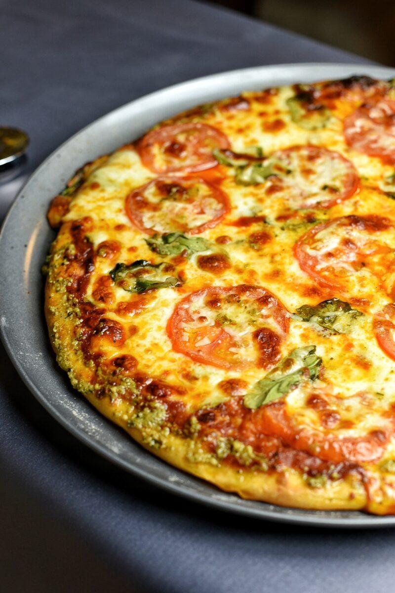 Tomato Florentine Pizza