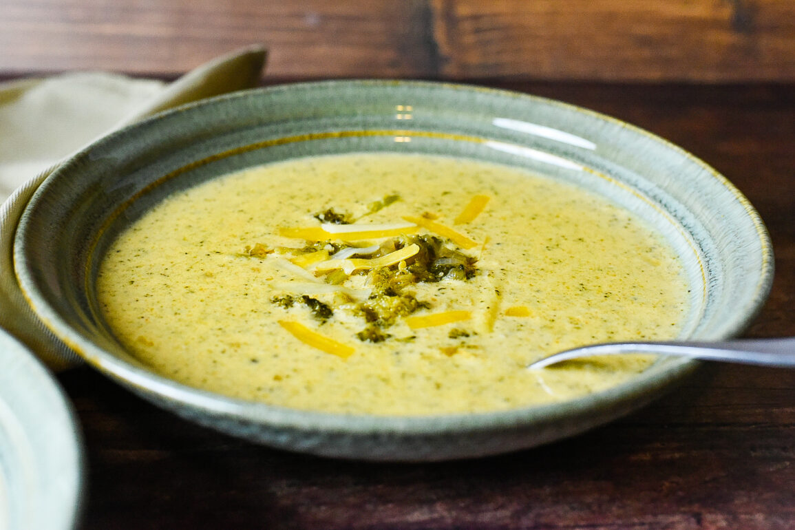 Instant Pot Broccoli and Cheese Soup