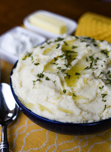 Creamy Cheddar Mashed Potatoes