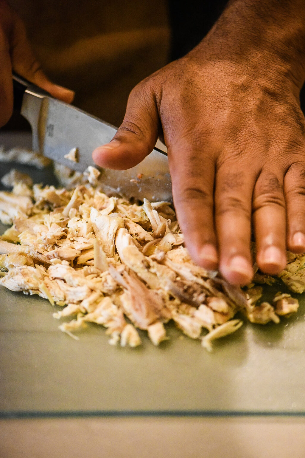 Cutting shredded chicken