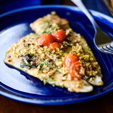 baked flounder with tomato basil white wine sauce