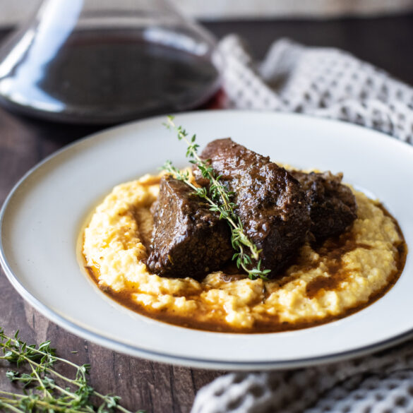 Braised Short Ribs with Grits and red wine