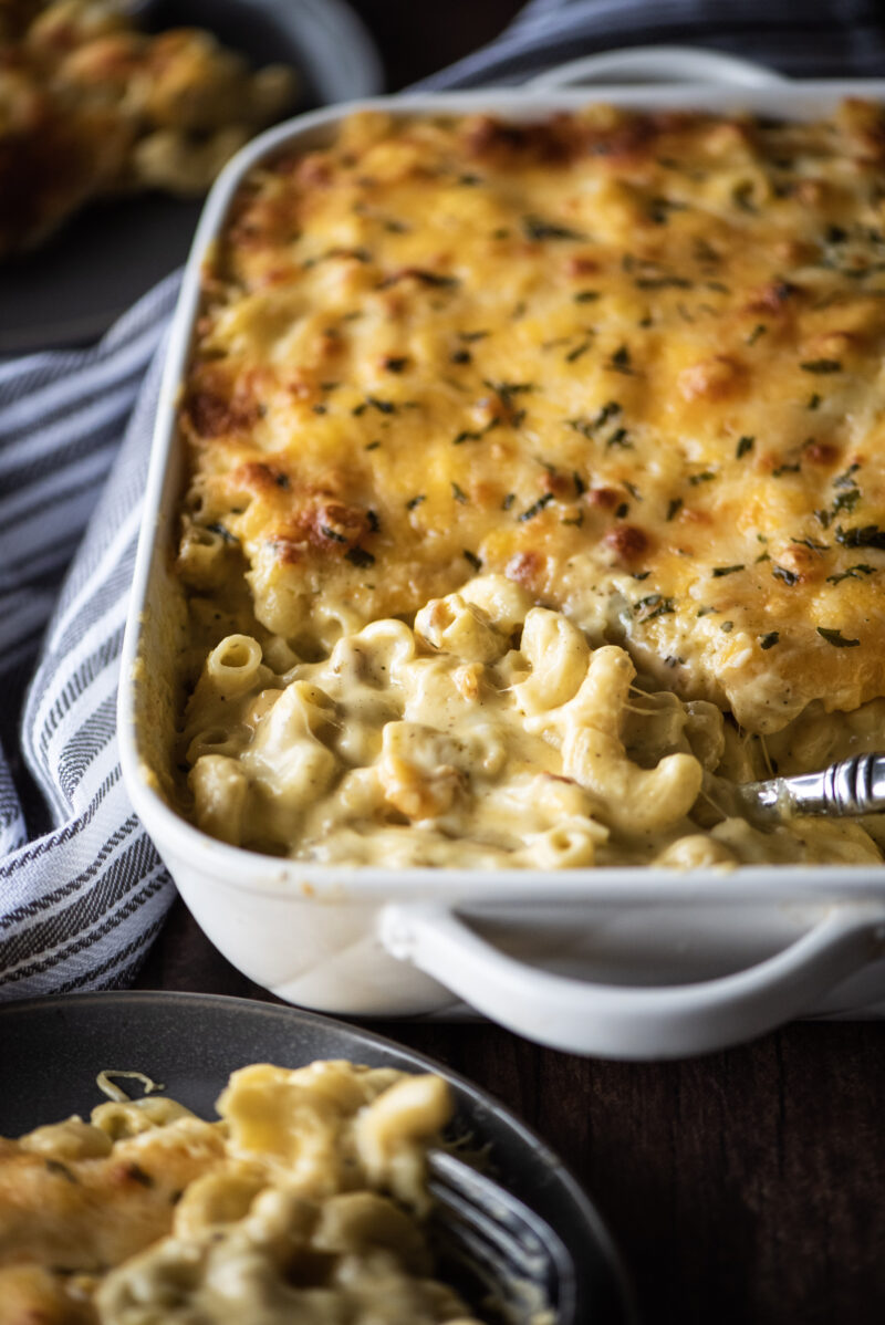Baked macaroni and cheese in casserole dish