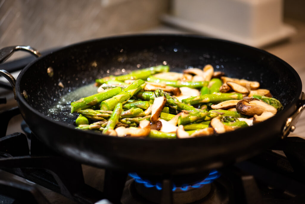 sautéing asparagus and mushrooms